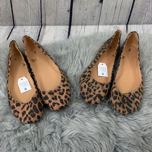 Tru Leopard Print Roundtoe Flats Size